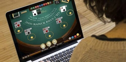 is it legal to play blackjack online for money