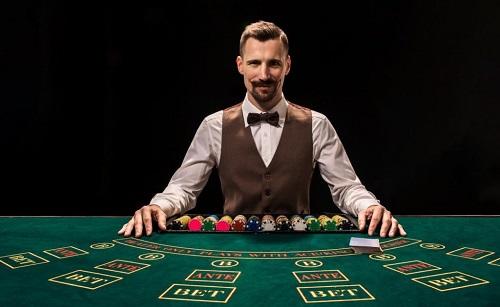 Banyak Yang Harus Anda Pertaruhkan di Blackjack