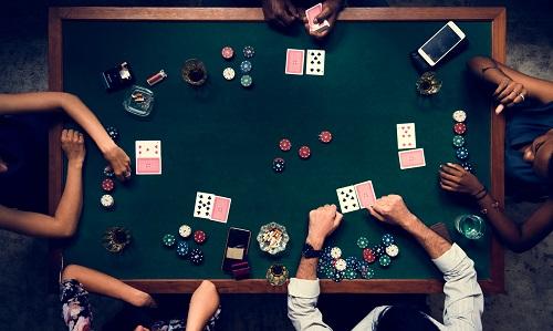 Jam Kerja Pemain Poker
