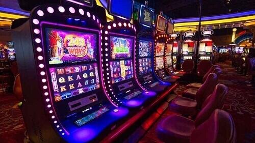 Distribution of Slot Machine Payouts